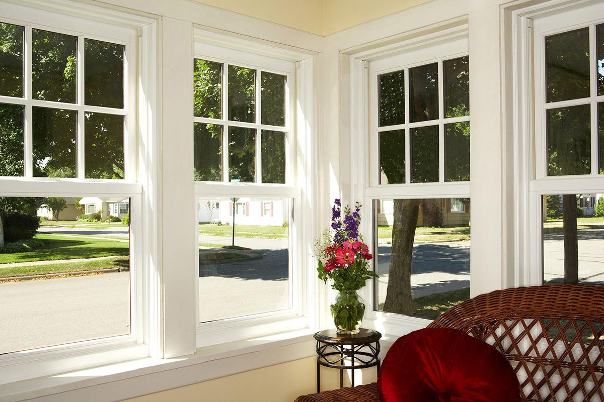 Английские деревянные окна  (вертикально-сдвижны)